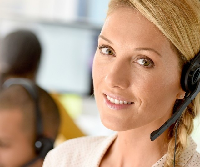 rifornire-call-center-femminile