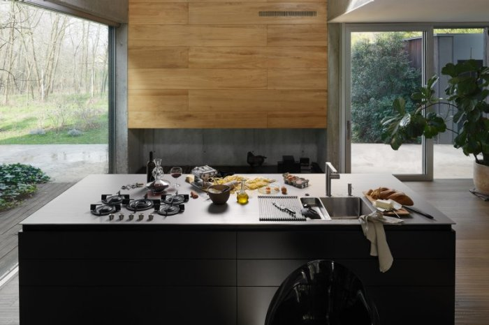 Franke Pioneered The Use Of Stainless Steel In The Kitchen. The Countertops,  Which Underwent A Redesign At The Start Of 2018, Fit Seamlessly Into This  ...